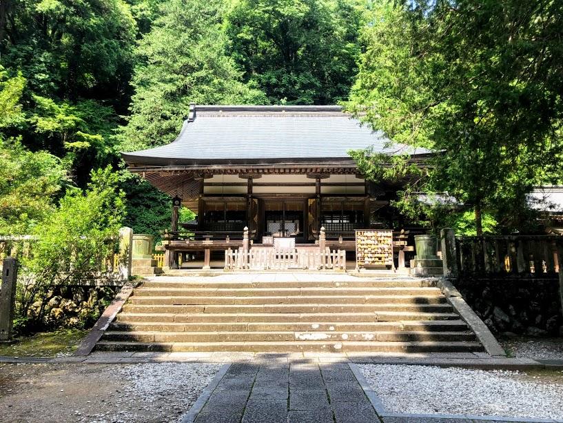 金さな神社 拝殿