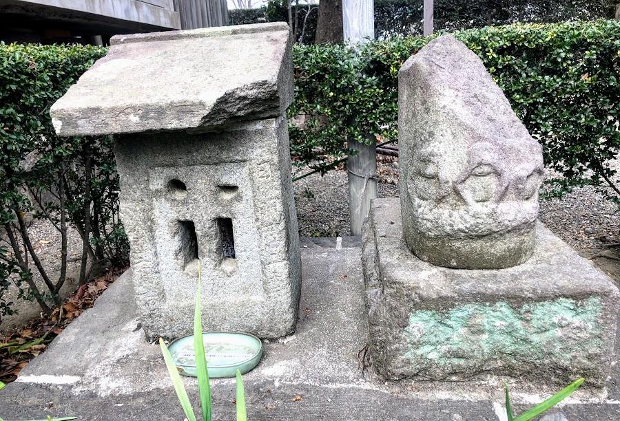 熊野神社 三猿塔